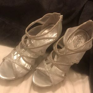Size 9 Silver strappy heels